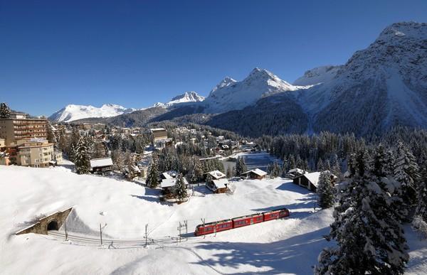 Rhaetian Railway on the Chur-Arosa Line - © Switzerland Tourism